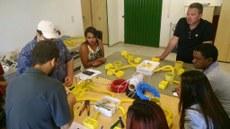 Estudantes, durante aula no laboratório de edificações, no Campus Gurupi