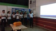 Estudantes mostram principais informações que integraram o PDT de Lagoa da Confusão