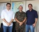 Foto com Reitor, Chefe de Gabinete da Reitoria e Comandante